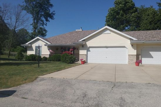 3 bed 2 bath Single Family at 9356 S Regency Dr Oak Creek, WI, 53154 is for sale at 290k - google static map