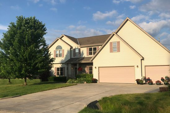4 bed 3 bath Single Family at 8851 S Clover Cir Oak Creek, WI, 53154 is for sale at 410k - google static map