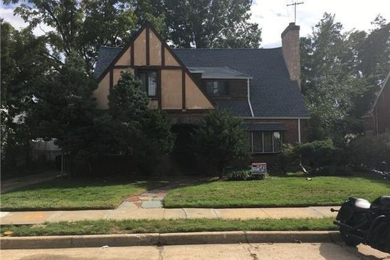 3 bed 2.5 bath Single Family at Undisclosed Address HEMPSTEAD, NY, 11550 is for sale at 250k - google static map