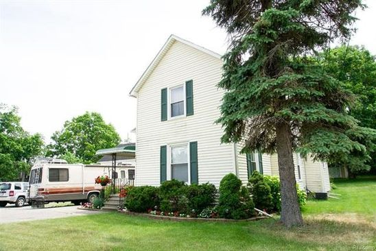 4 bed 4 bath Single Family at 609 W SHIAWASSEE AVE FENTON, MI, 48430 is for sale at 179k - google static map