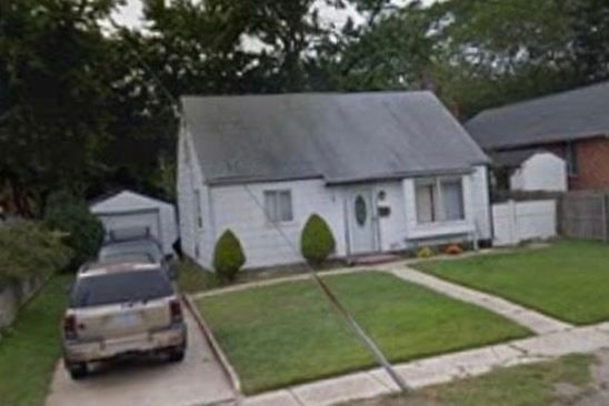 4 bed 2 bath Single Family at 888 COUNTY LINE RD AMITYVILLE, NY, 11701 is for sale at 250k - google static map