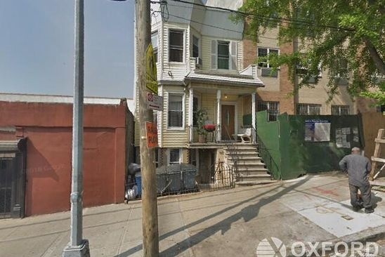 8 bed 4 bath Multi Family at 390 E 195th St Bronx, NY, 10458 is for sale at 775k - google static map