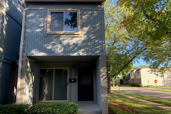 3 bed 2 bath Townhouse at 571 Ziegler Dr Grayslake, IL, 60030 is for sale at 91k - google static map