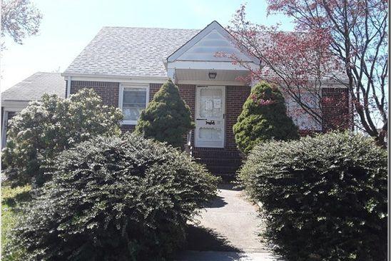 2 bed 1 bath Single Family at 86 Hillman Dr Elmwood Park, NJ, 07407 is for sale at 265k - google static map