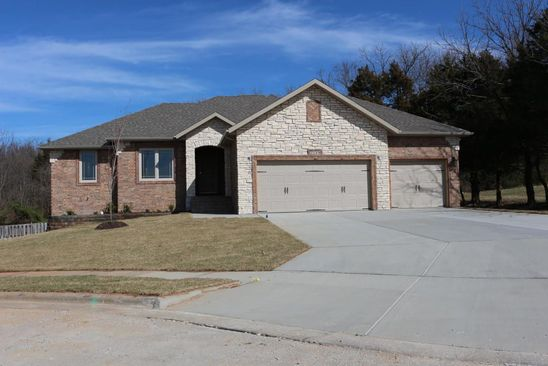 5 bed 3 bath Single Family at 5278 E Wild Horse Dr Springfield, MO, 65802 is for sale at 385k - google static map