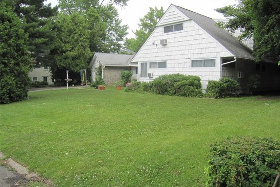 4 bed 3 bath Single Family at 5 MARKET LN GREAT NECK, NY, 11020 is for sale at 1.20m - google static map