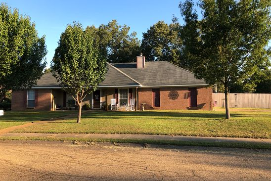 3 bed 2 bath Single Family at 211 OAK BROOK DR BRANDON, MS, 39047 is for sale at 185k - google static map