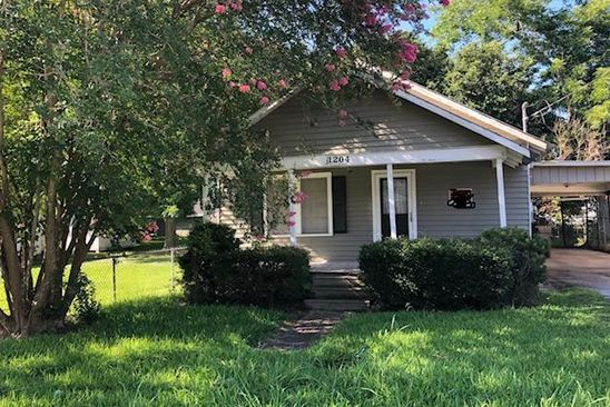 2 bed 1 bath Single Family at 1204 Clover St Abbeville, LA, 70510 is for sale at 23k - google static map