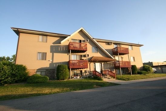 2 bed 1 bath Condo at 1531 Pioneer Rd Crest Hill, IL, 60403 is for sale at 50k - google static map